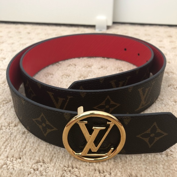 e723f4cb6015 Louis Vuitton Accessories - Louis Vuitton 35mm reversible circle belt